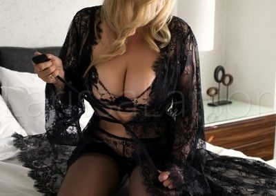 Girlfriend-Experience-Beverly-Hills